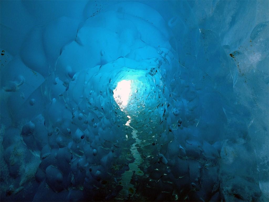 Grottes et Tunnels du Glacier Viedma à El Chaltén