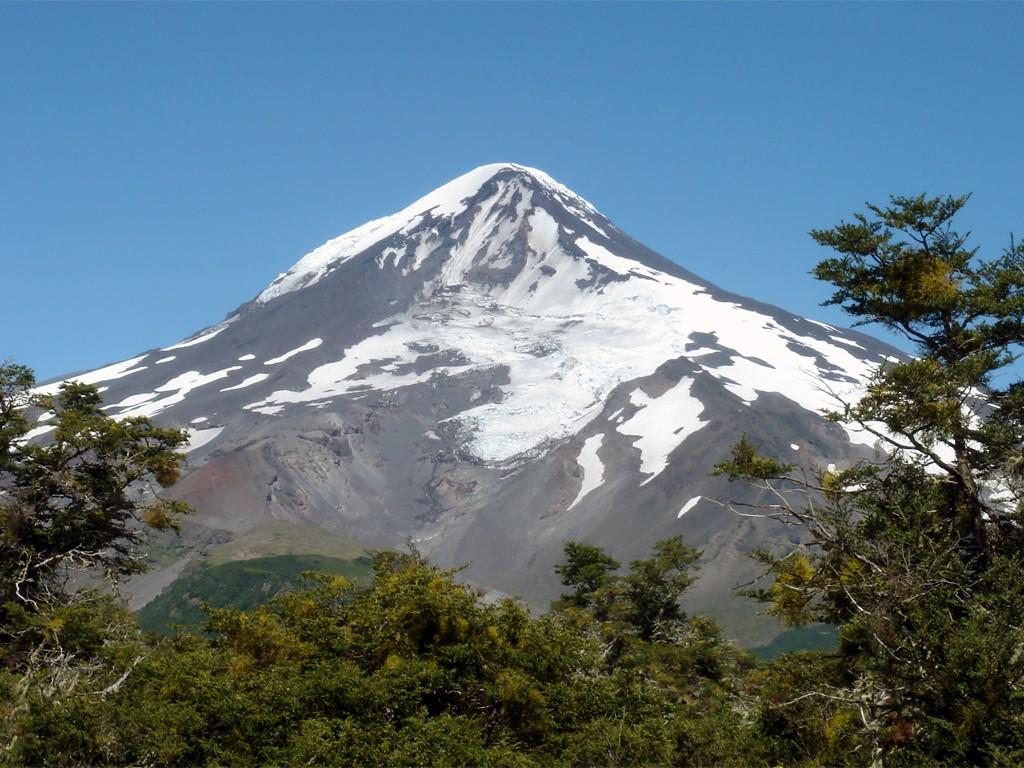 Ascenso del Volcán Lanin en Argentina