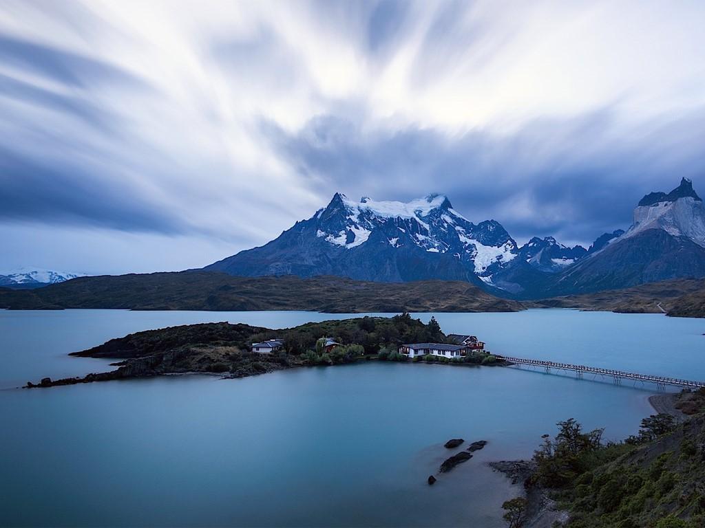 Albergue en un islote en la Patagonia chilena, Torres del Paine