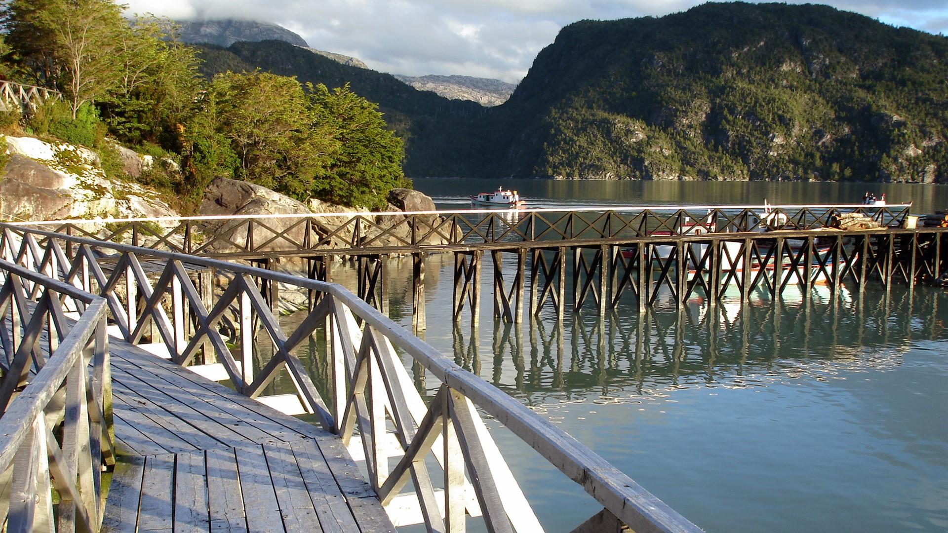 Les passerelles de Caleta Tortel au Chili