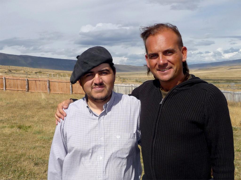 Cristian avec Boris dans son estancia du Chili