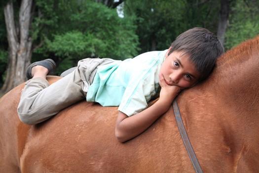 Enzo petit gaucho de Patagonie Argentine