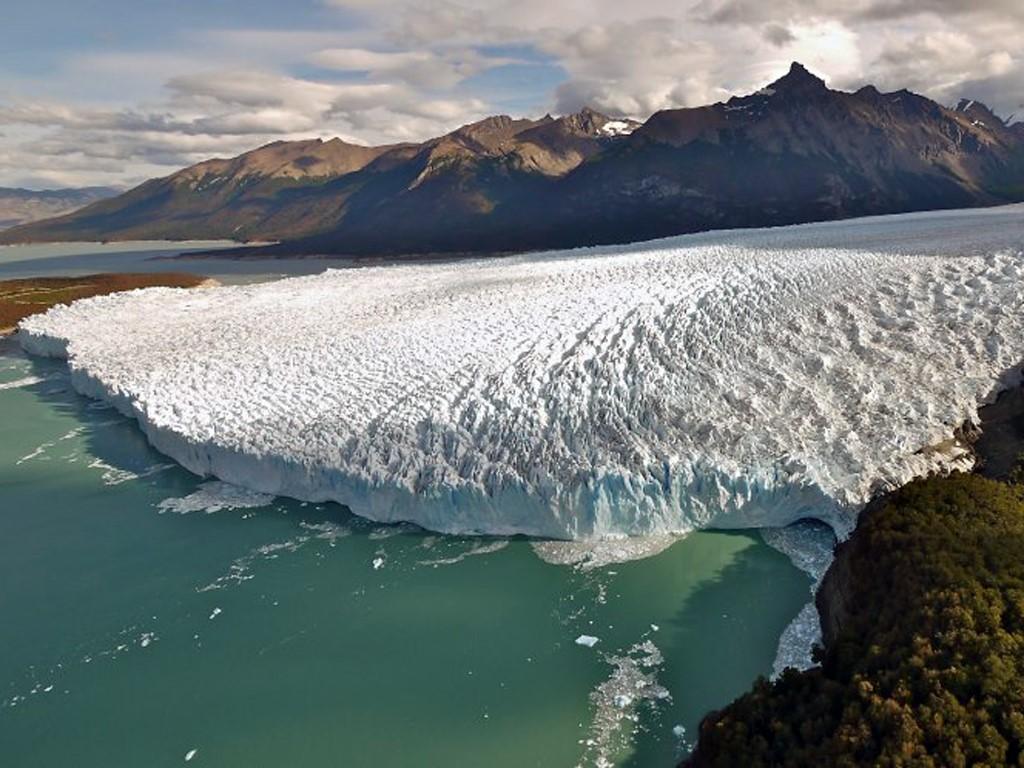Les glaciers de Patagonie vus du ciel