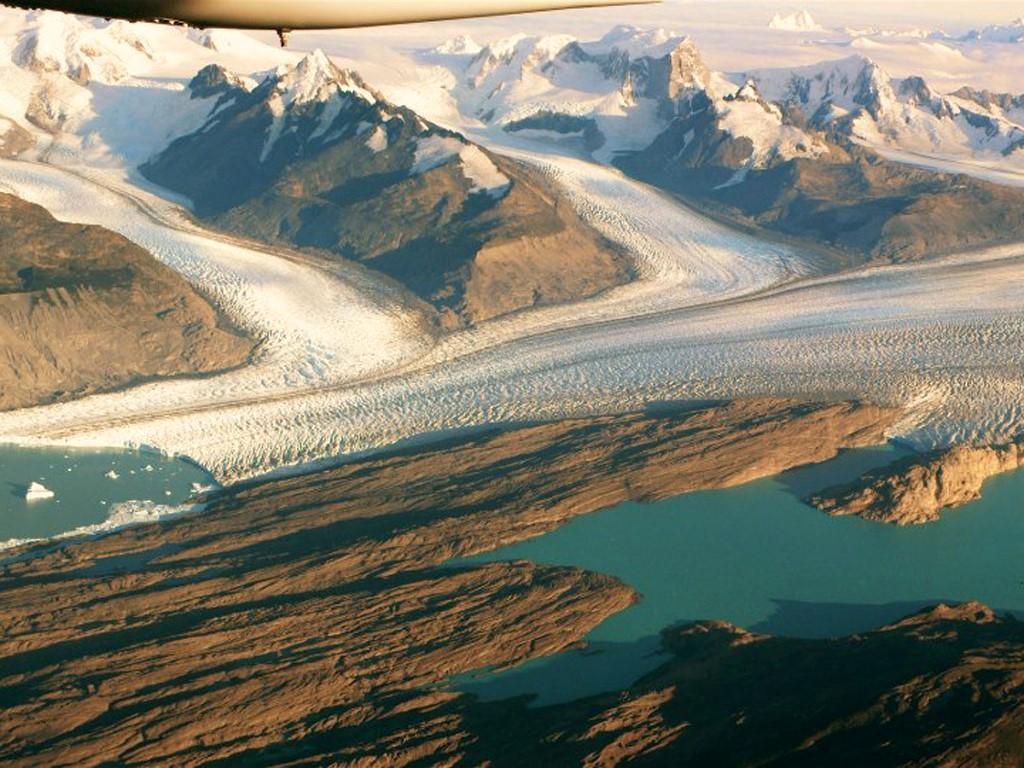 Glaciers Perito Moreno et Upsala vus du ciel