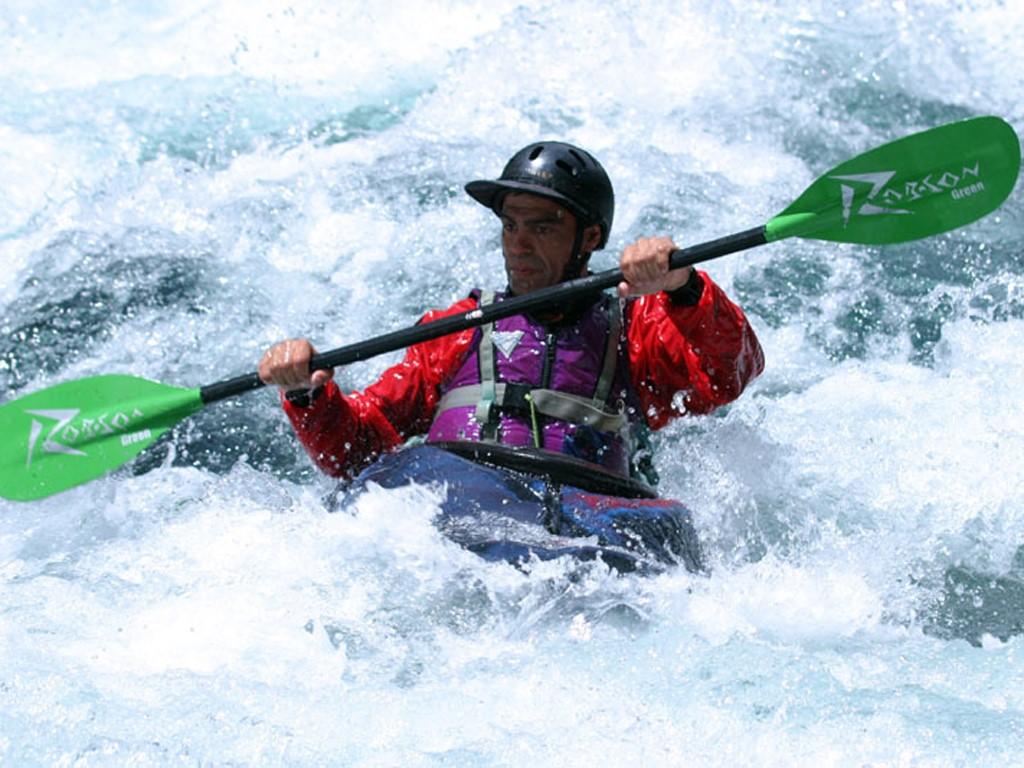 Hector Valle sur son kayak