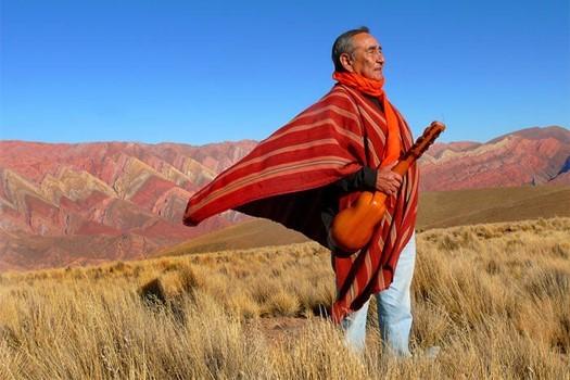 Jaime Torres dans la Quebrada de Humahuaca