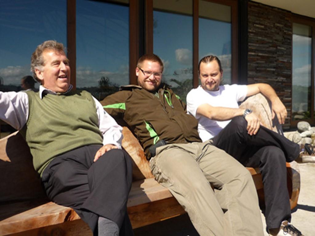 Juan, Harald et Michael sont guides et hôteliers au Chili