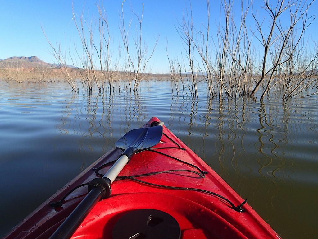 Kayak sur la rivière Limay en Patagonie argentine