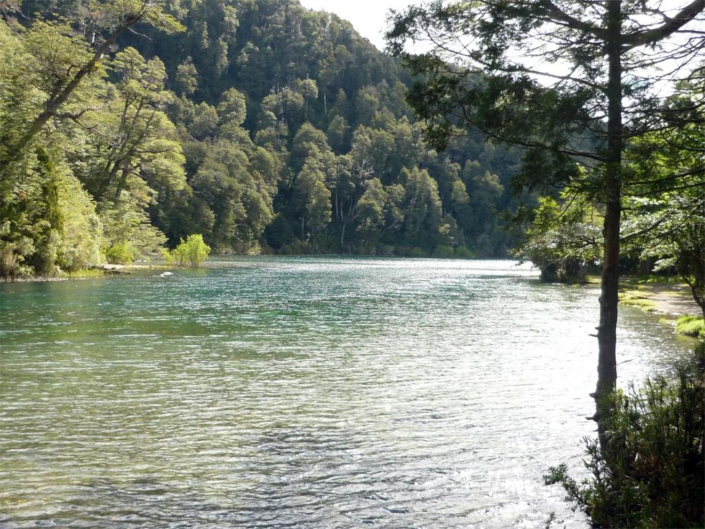 La rivière Limay est idéale pour les balades en kayak