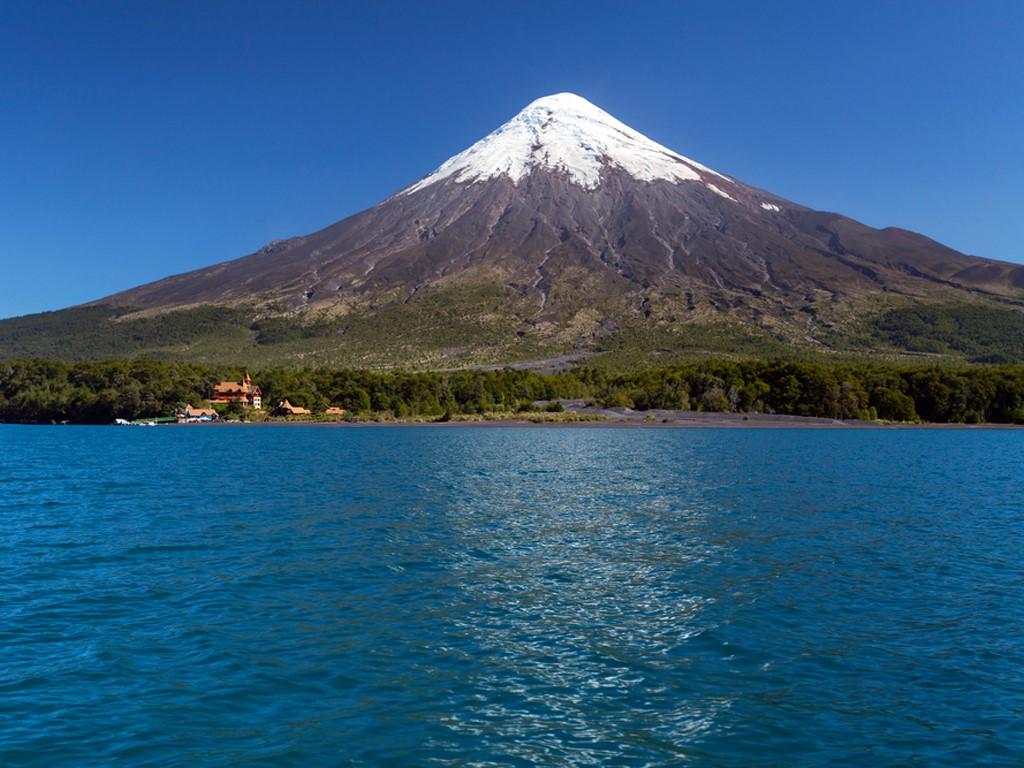 Vue sur le Volcan Osorno en kayak