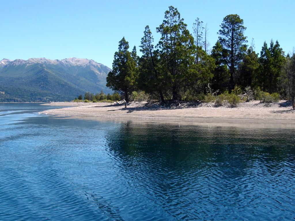 Lago Fonck en Patagonia argentina