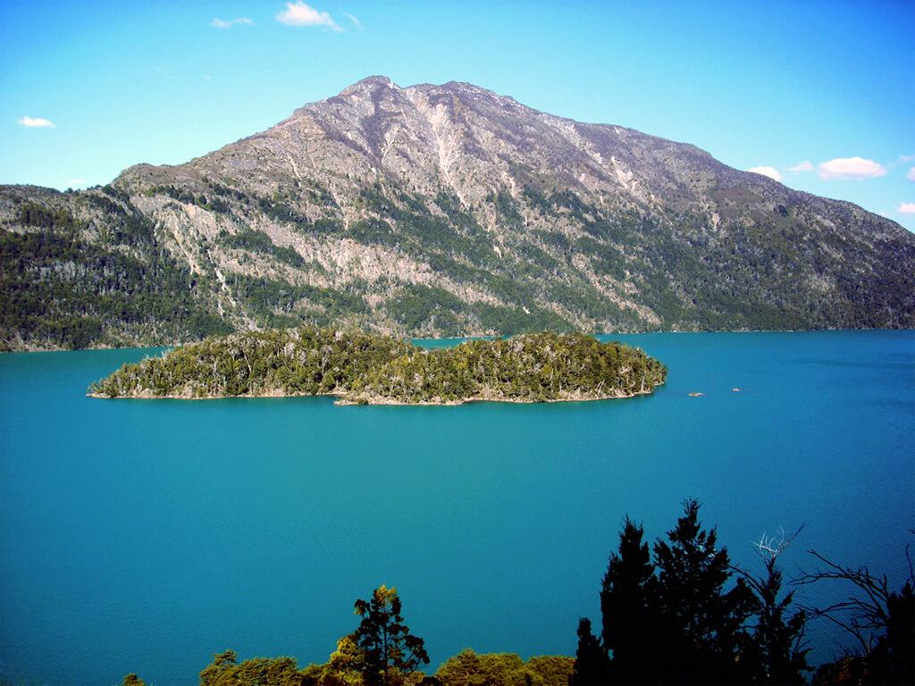 Île Huemul sur le lac Nahuel Huapi à Bariloche