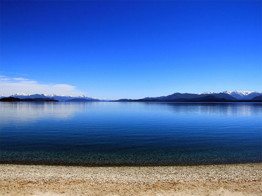 Journée de printemps sur le lac Nahuel Huapi
