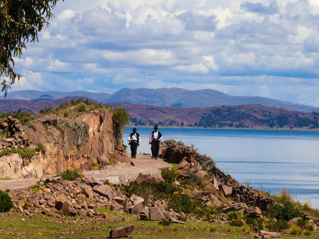 Le lac Titicaca est un lieu magique que se partagent la Bolivie et le Pérou