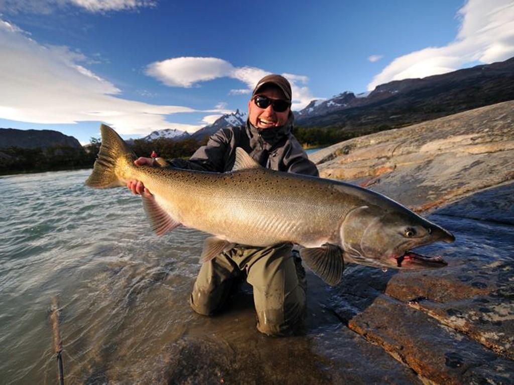 Pêche au saumon de Patagonie au lac Fonck