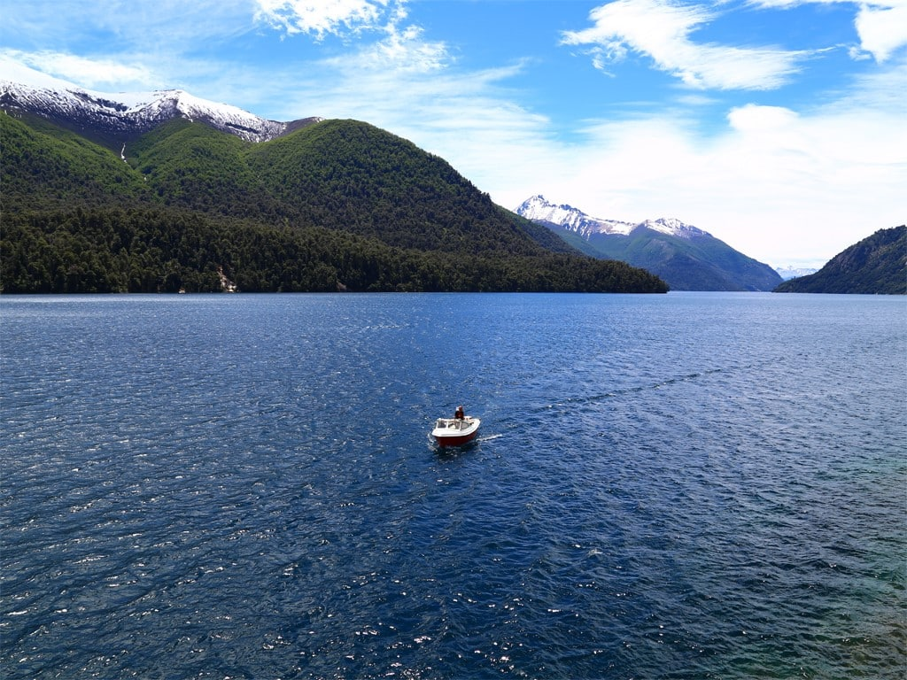 Navigation entre les lacs Moreno et Nahuel Huapi