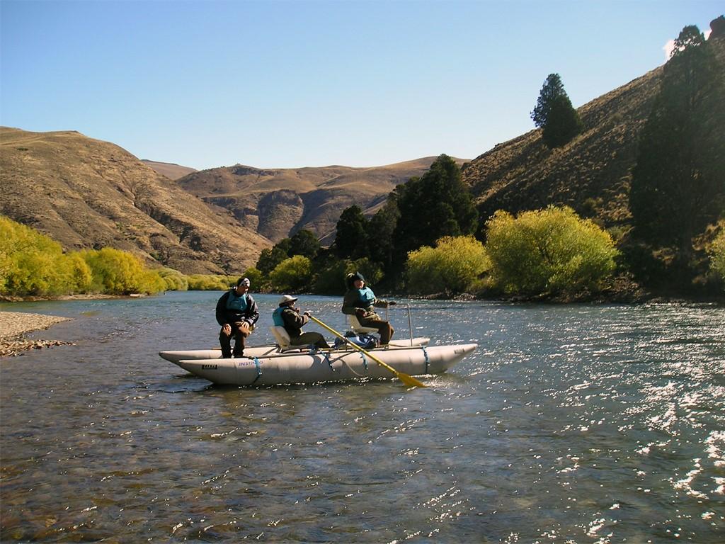 Navigation sur la rivière Limay