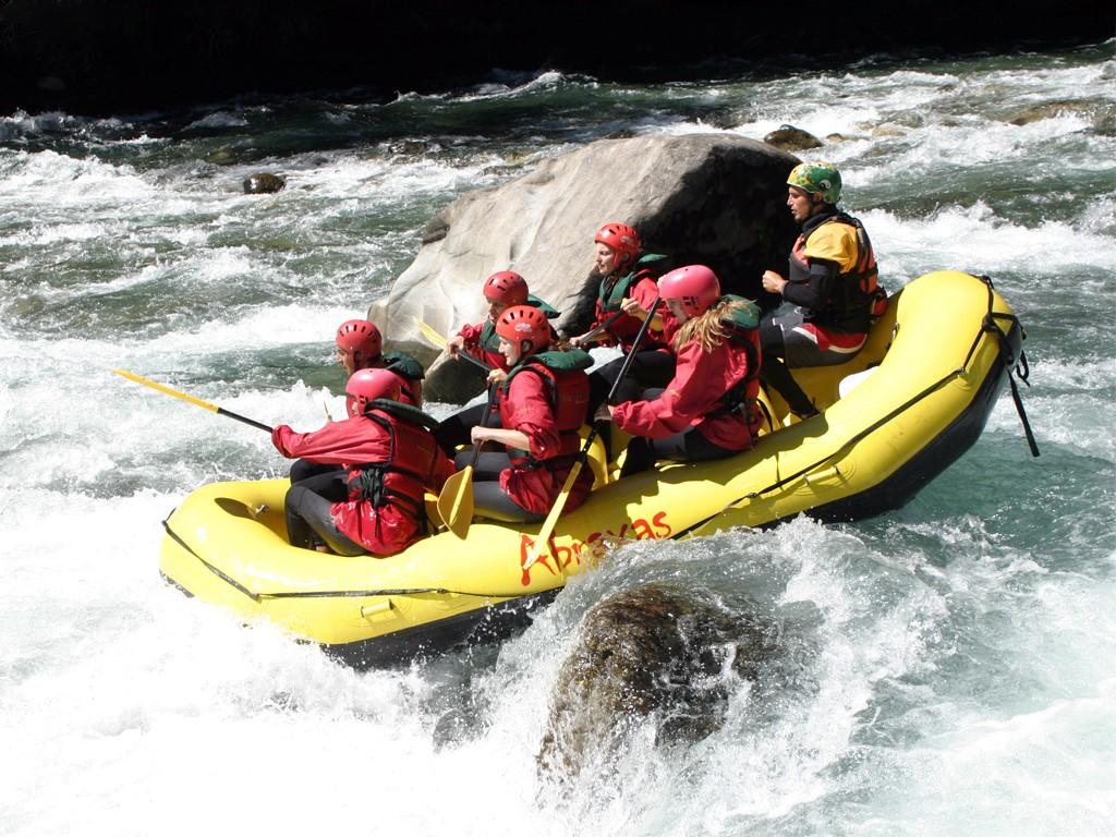 Puerto Varas para la práctica de Rafting en el Petrohué