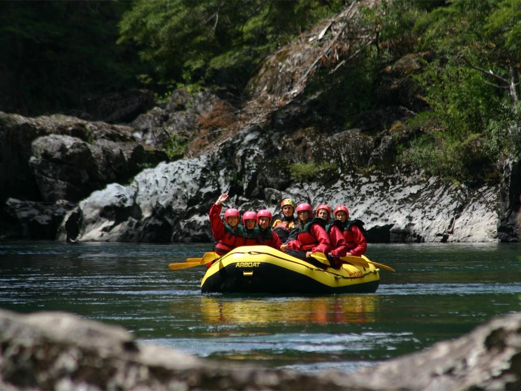 Rafting en el río Manso, entre Argentina y Chile