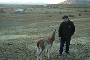 Mr et Mme Boldor en Argentine avec un guanaco