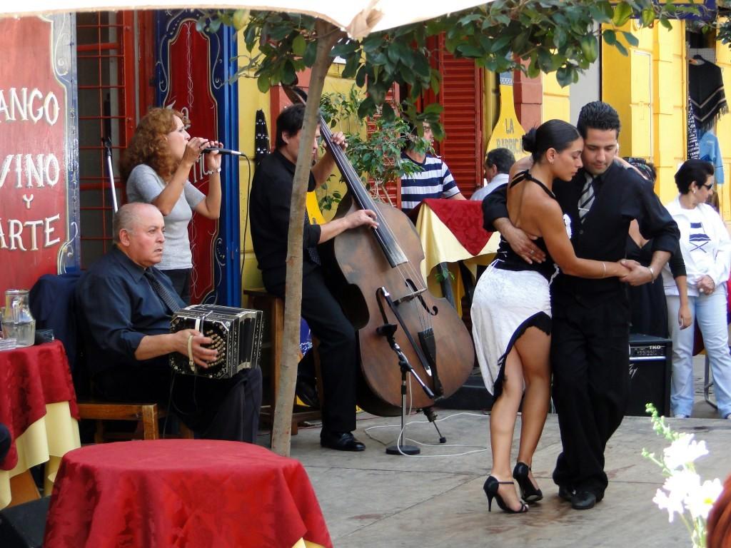 Le tango est dansé dans tous les quartiers de Buenos Aires