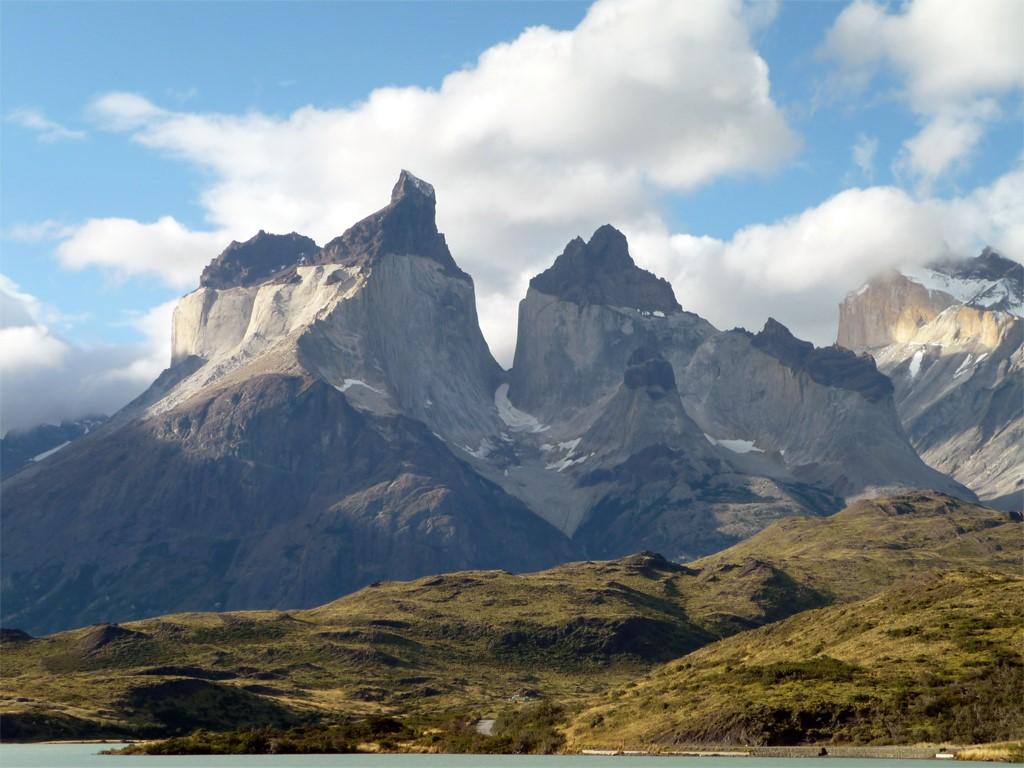 Les Torres del Paine vues depuis notre embarcation