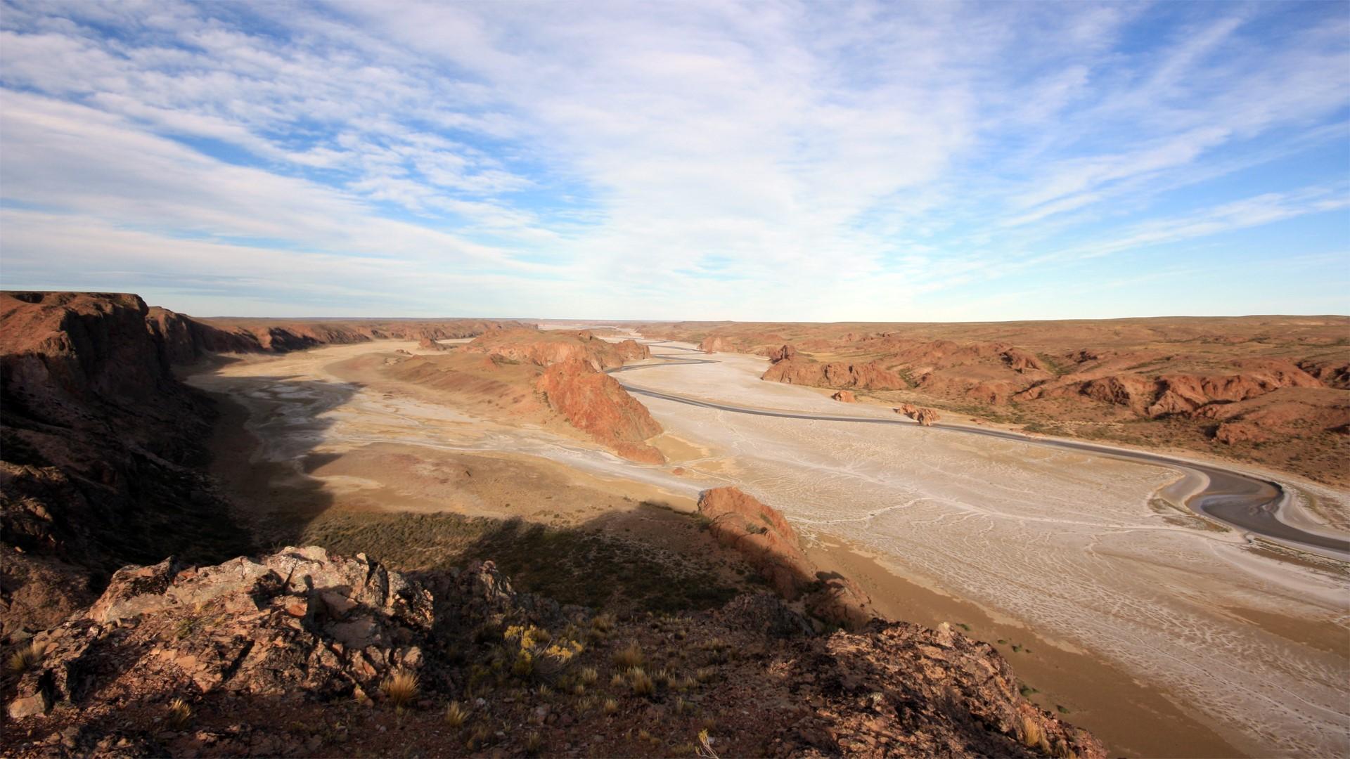 Traces de Darwin sur le Rio Deseado en Patagonie